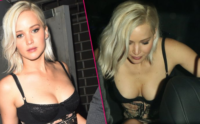 jennifer lawrence wardrobe malfunction boobs cleavage exposed pics