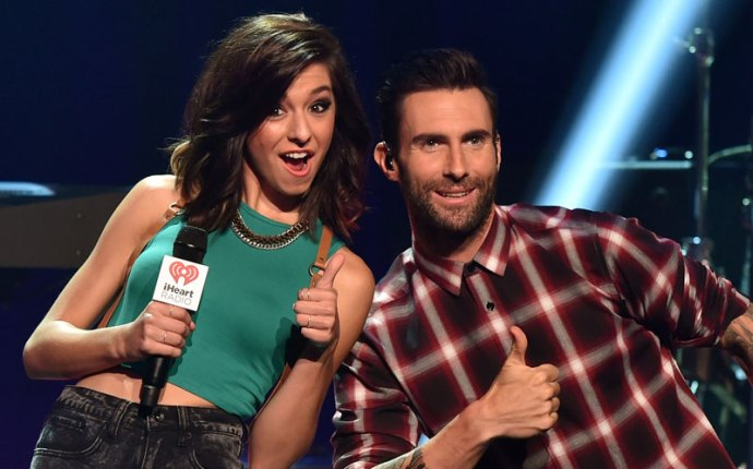 christina grimmie dead adam levine pays funeral the voice