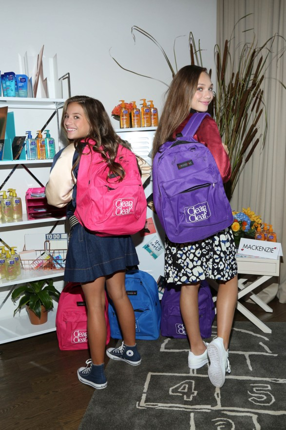 Sister act! Maddie & Mackenzie Ziegler get their skin back-to-schoolready with Clean&Clear