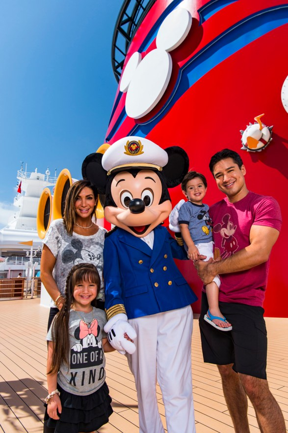 TV host Mario Lopez vacations with family aboard theDisneyDream