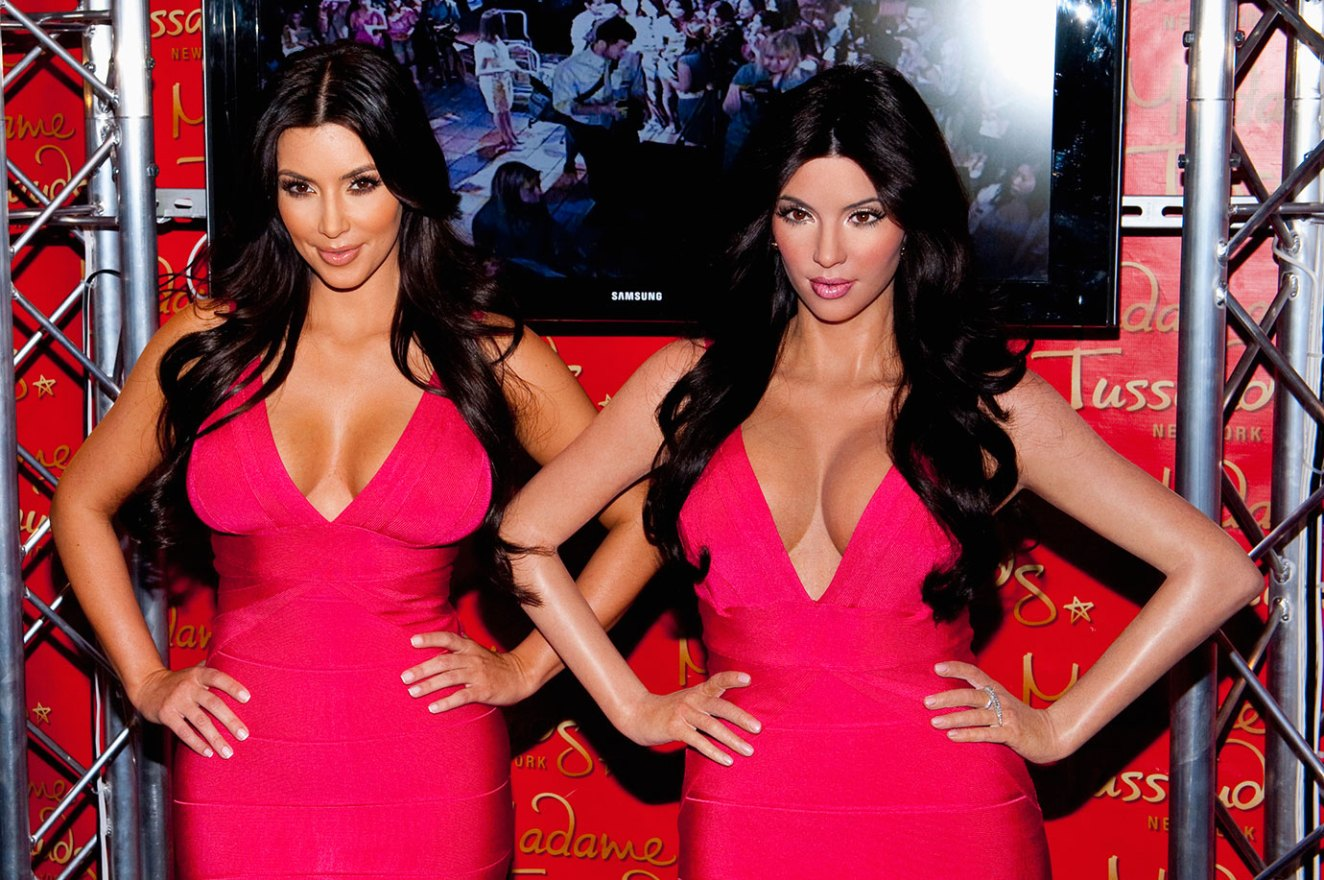 The Worst Celebrity Wax Figures EVER made - Woopzi