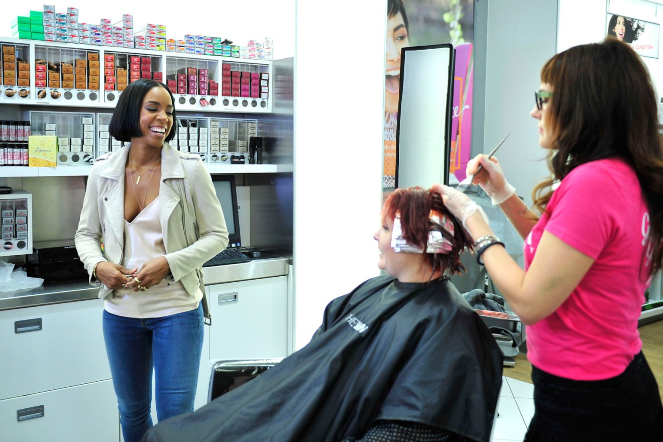 Kelly Rowland at Ulta Beauty During Event Supporting Breast Cancer Research Foundation
