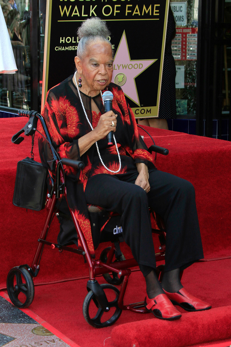 della reese serenadedella reese come on a my house, della reese come on a my house скачать, della reese cha cha cha, della reese 2016, della reese allmusic, della reese melancholy baby, della reese serenade, della reese never my love, della reese it was a very good year, della reese tea for two, della reese daddy перевод, della reese come ona my house lyrics, della reese it so nice to have a man around the house lyrics, della reese touched by an angel, della reese walk with you, della reese mp3, della reese i got the blues lyrics