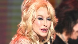 Dolly Parton Shocks With 'Alarming' Post-Procedure Look thumbnail