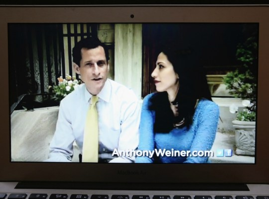 Huma Abedin Files For Divorce From Anthony Weiner thumbnail