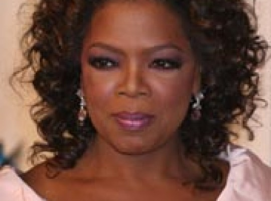 OPRAH ISSUES APOLOGY thumbnail