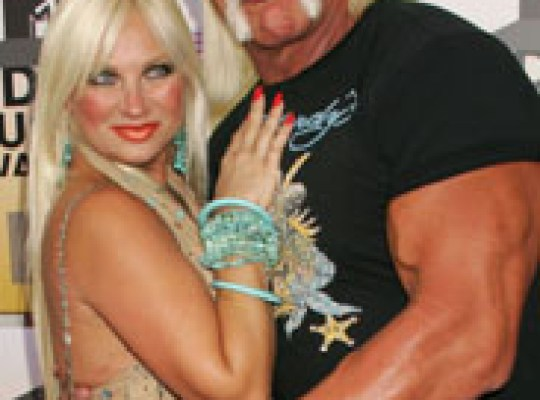 HULK HOGAN'S WIFE WANTS DIVORCE thumbnail
