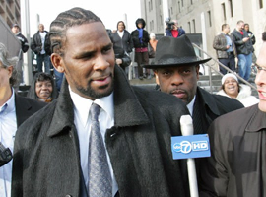 R. KELLY CHILD PORNO TRIAL thumbnail