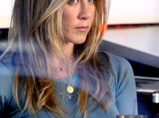 JEN ANISTON, DIVA-at-LARGE thumbnail
