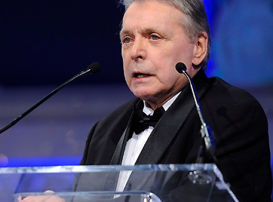 EXCLUSIVE INTERVIEW: MICKEY GILLEY'S MIRACLE COMEBACK thumbnail