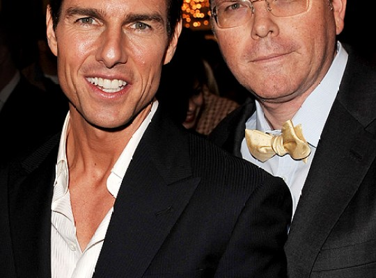 TOM CRUISE HOT NEW BRO-MANCE! thumbnail