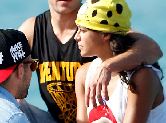 PALS WARN ZAC EFRON: MICHELLE RODRIGUEZ IS BAD NEWS! thumbnail