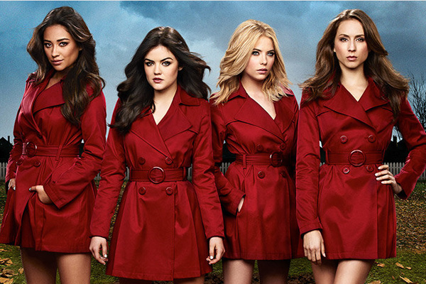 Pretty Little Liars promo photo