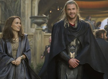 Natalie Portman & Chris Hemsworth