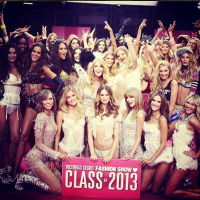 Victoria's Secret Angels & Taylor Swift