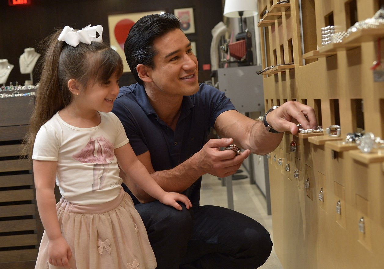 PRIVATE NOT FOR SITE - Mario Lopez and daughter Gia go Mother's Day Shopping at UNOde50 Boutique