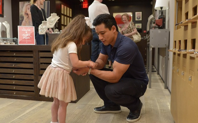 PRIVATE NOT FOR SITE   Mario Lopez and daughter Gia go Mother's Day Shopping at UNOde50 Boutique