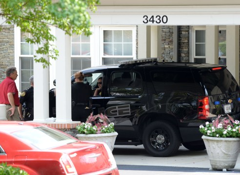 Police showed up outside of Bobbi Kristina Brown's hospice, but not because of the family feud between the Browns and the Houstons. (Photo: Jason Winslow / Splash News)