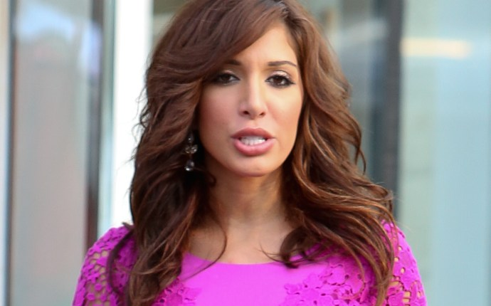 EXCLUSIVE: Farrah Abraham and friends arriving at the Cafeteria in Chelsea, New York