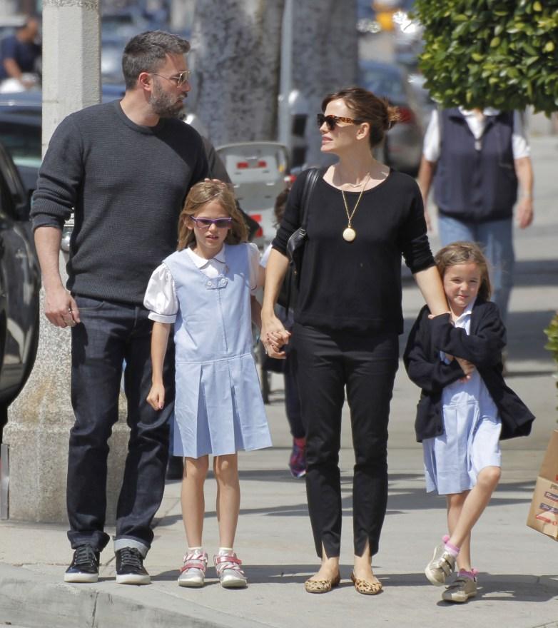 Ben & Jen Take Their Daughters OutForIceCream