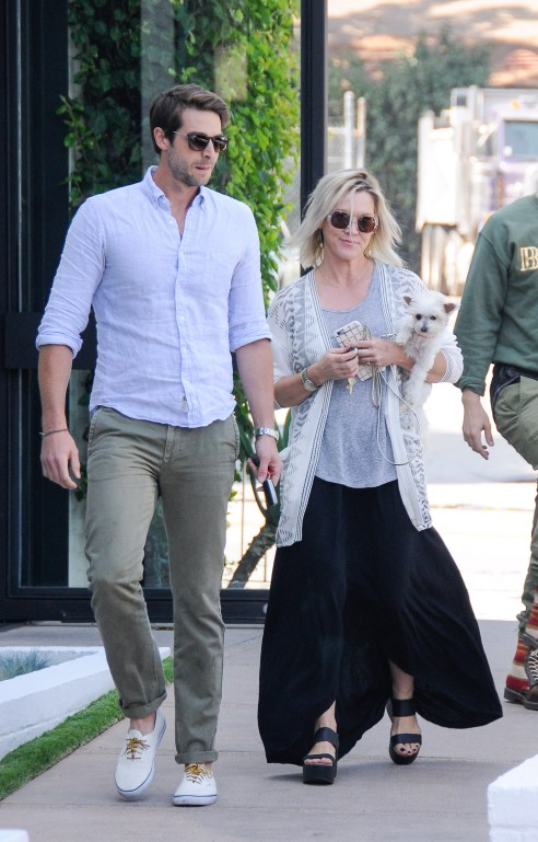 **USA ONLY** West Hollywood, CA - Actress Jennie Garth, who recently got engaged to actor David Abrams after a whirlwind courtship, enjoys a beautiful sunny day in West Hollywood with her handsome fiancee. The two, along with Jennie's adorable puppy, went for a bit of retail therapy and paid a visit to John Varvatos in West Hollywood.   AKM-GSI  May  29, 2015 **USA ONLY**  **MANDATORY CREDIT MUST READ: The Grosby Group/AKM-GSI** To License These Photos, Please Contact : Steve Ginsburg (310) 505-8447 (323) 423-9397 steve@akmgsi.com sales@akmgsi.com or Maria Buda (917) 242-1505 mbuda@akmgsi.com ginsburgspalyinc@gmail.com
