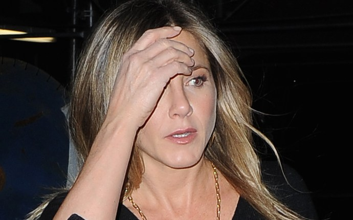 Actress Jennifer Aniston heading to dinner with a friend