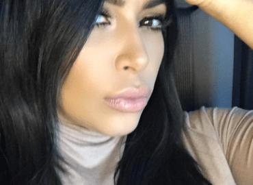 Kim kardashians selfie hillary clinton