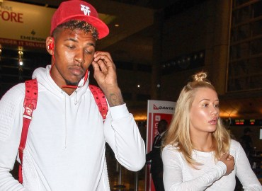 INF   Iggy Azalea & Boyfriend Nick Young Share a Laugh at LAX