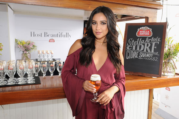 Stella-Artois-Host-Beautifully---Shay-Mitchell---9.21-(4)