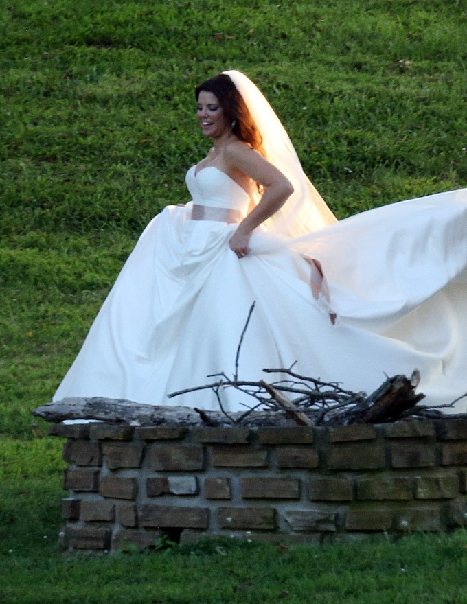 EXCLUSIVE: Amy Duggar marries Dillon King. Amy, niece of 19 Kids and Counting stars Jim Bob and Michelle Duggar, tied the knot at Horton Farms near Bentonville, Arkansas, on September6,2015.