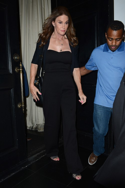 caitlyn-jenner-beso-hollywood