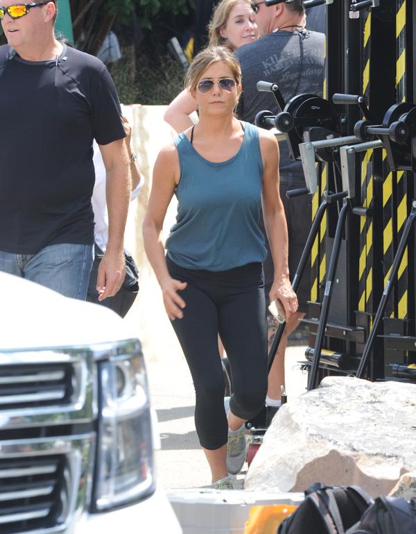 INF - Jennifer Aniston Films Scenes For'Mother'sDay'