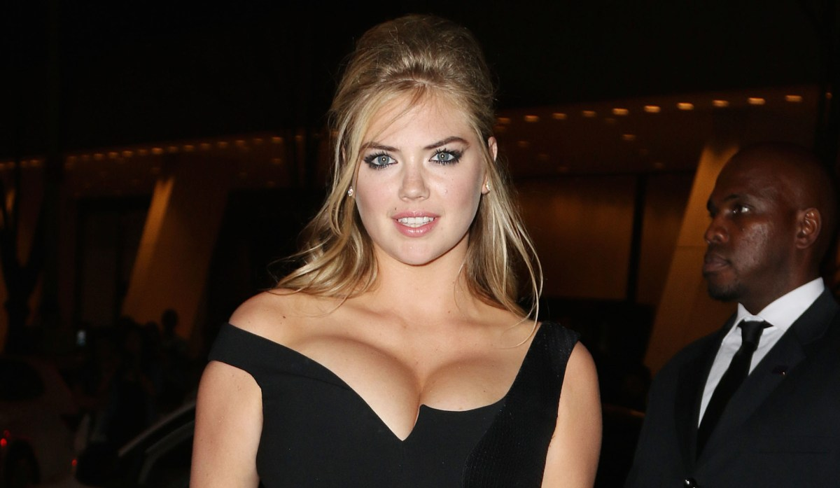 Overflowing Kate Upton Seriously Close To A Wardrobe
