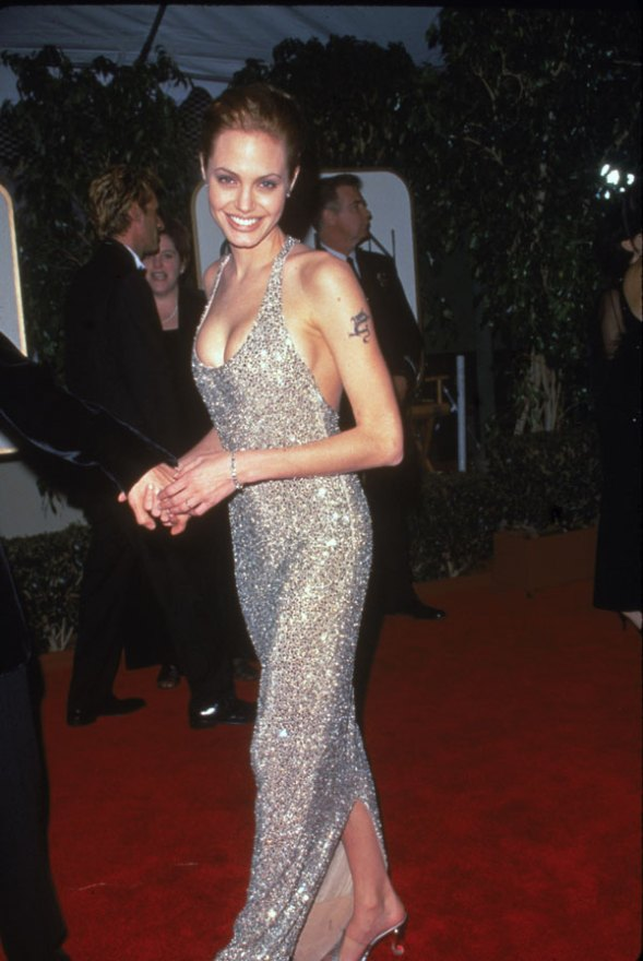 angelina-jolie-body-changing-photos-1