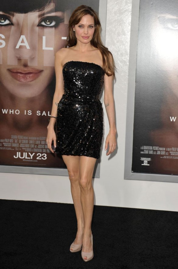 angelina-jolie-body-changing-photos-3