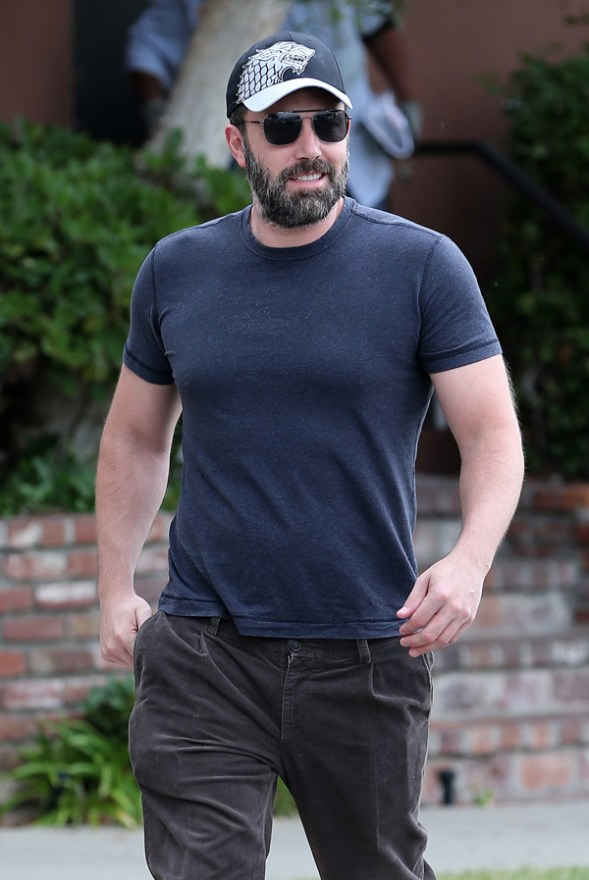 Ben Affleck leaving a doctor's clinic without his wedding ring on inSantaMonica