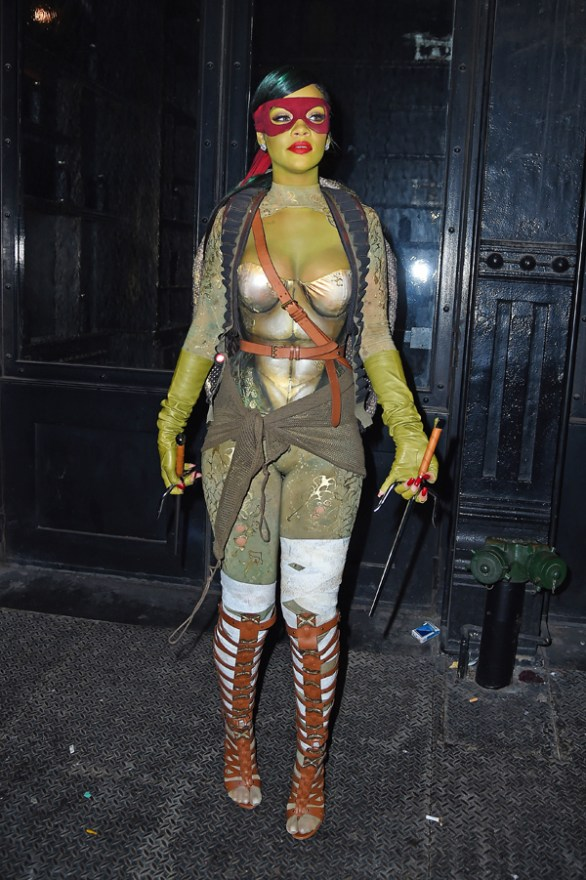 celebrity-halloween-costumes-rihanna