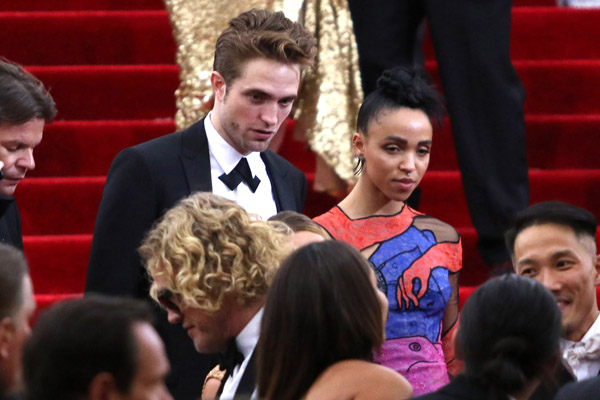 robert-pattinson-fka-quits-engagement-off-breakup-6