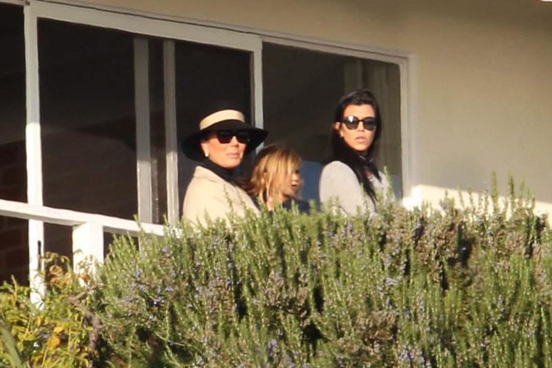kourtney-kardashian-scott-disick-relationship-drama-duo-attending-couples-therapy-06