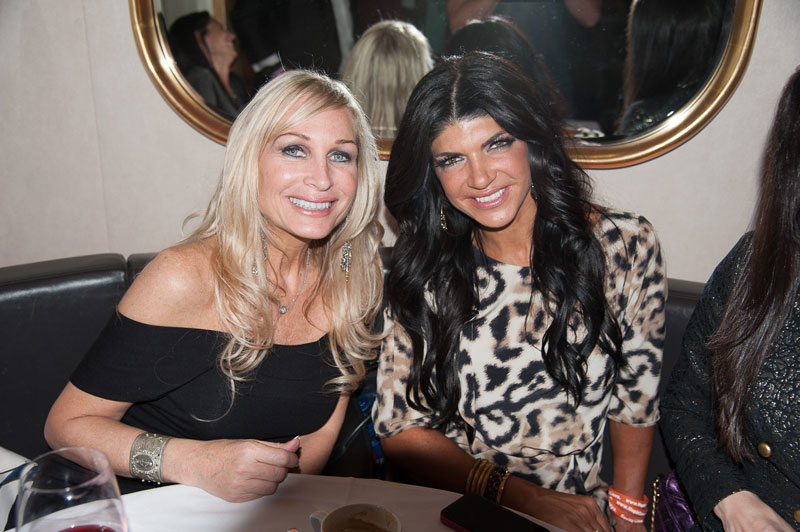 real-housewives-of-new-jersey-season-seven-no-contracts-09