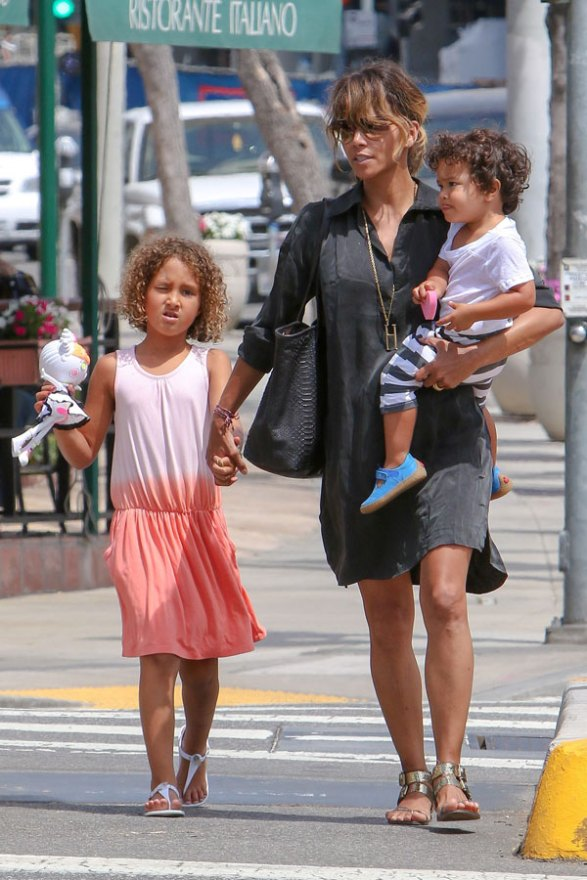 halle-berry-divorce-olivier-martinez-dating-chris-webby-04