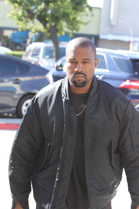 kanye-west-shoe-of-the-year-acceptance-speech-3