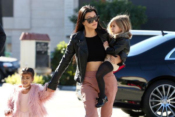 kourtney-kardashian-north-west-penelope-disick-ballet-class-pictures-03