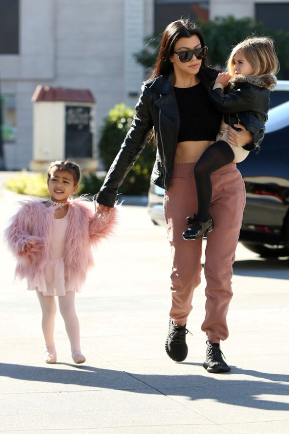 kourtney-kardashian-north-west-penelope-disick-ballet-class-pictures-04