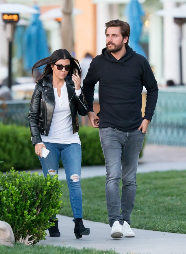 kourtney-kardashian-scott-disick-relationship-drama-duo-attending-couples-therapy-07