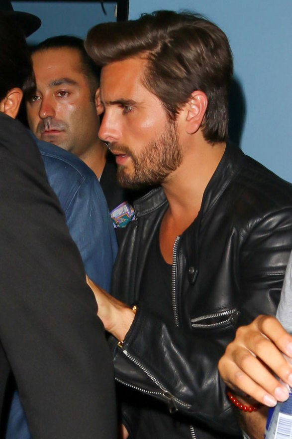scott-disick-rehab-party-new-uyears-eve-kourtney-kardashian-02