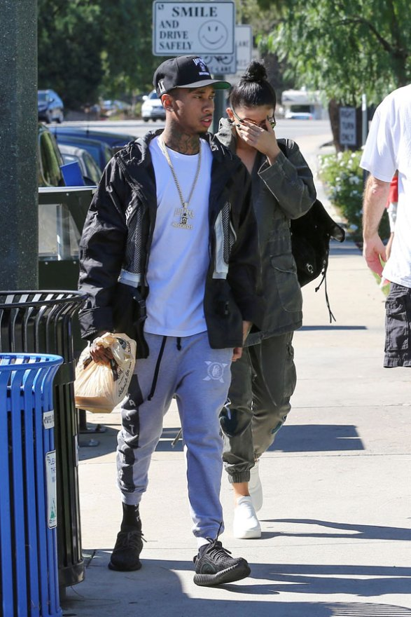 tyga-kylie-jenner-relationship-rocky-problems-trouble-secrets-06