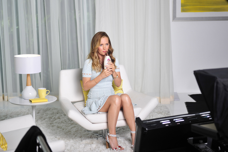 Leslie Mann Ad Shoot For Jergens Hydrating CoconutMoisturizer