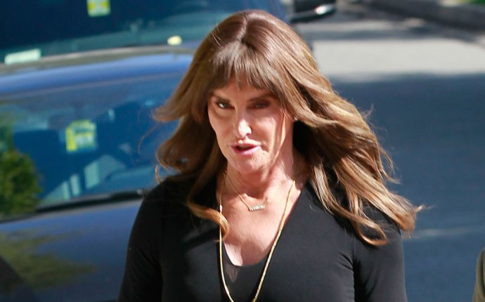 caitlyn jenner wears wig bad hair day