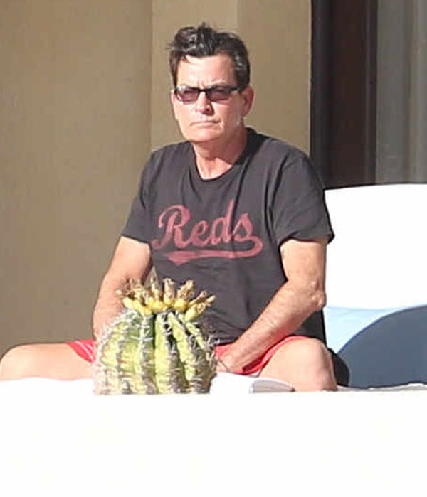 charlie-sheen-hiv-mexico-vacation-06